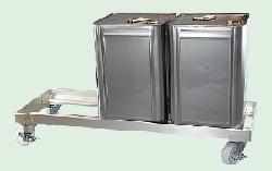 ステンレス304製の一斗缶用台車とアルミを材質にして一斗缶用の台車を1缶用・2缶用・3缶用を開発・製造しています。ステンレス缶スタンド角缶用SKC-01、ステンレス缶スタンドキャスター付きSKC-02、バッグイン用SKC-10、バッグインコンテナー用SKC-14、ステンレス304製の一斗缶用台車とアルミを材質にして一斗缶用の台車を1缶用・2缶用・3缶用を製造しています。清潔であり、整理整頓に適合しているため、衛生を重んじる環境にオススメです。